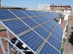 Panele słoneczne w technologii grafenowej -Polski patent
